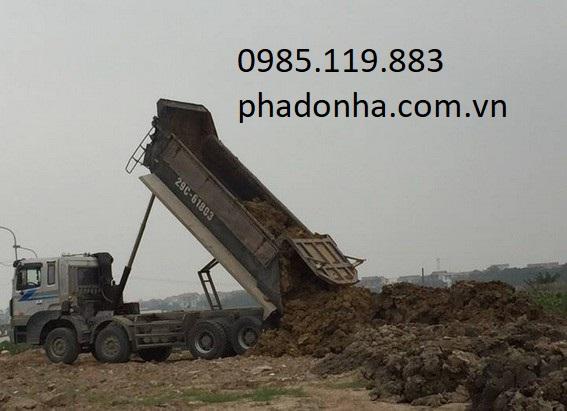 xe vận chuyển đất thải xây dựng