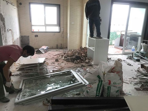 phá dỡ nhà tại nguyễn chánh 4