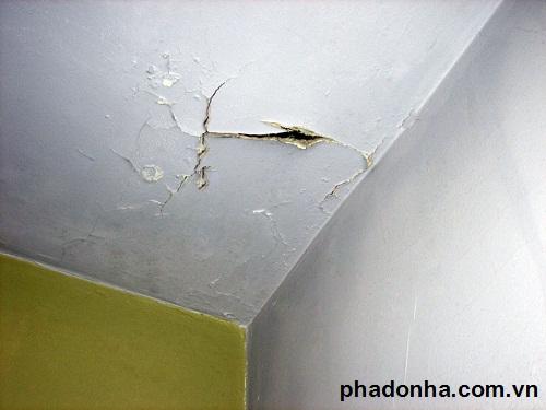 sửa chữa trần nhà bị nứt