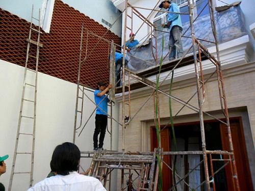 Quy trình sơn nhà ngoài trời bền đẹp theo thời gian